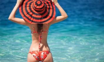 Femme sexy à la plage